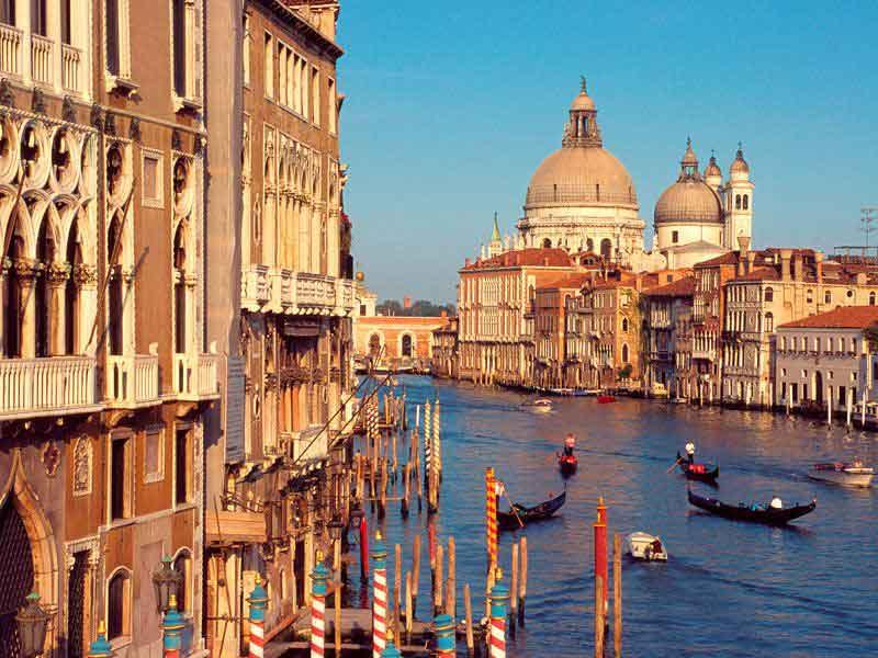 Grand-Canal,-Venice,-Italy.jpg